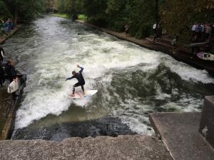 Surfing in the Englischen Garten!