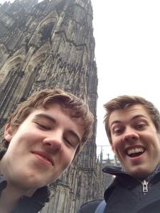 Dom selfie.