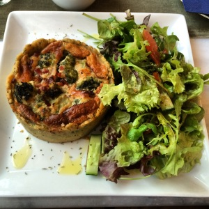 23/04 - Day in Wiesbaden for voice recordings, including a trip to Café Paris for tasty quiche.