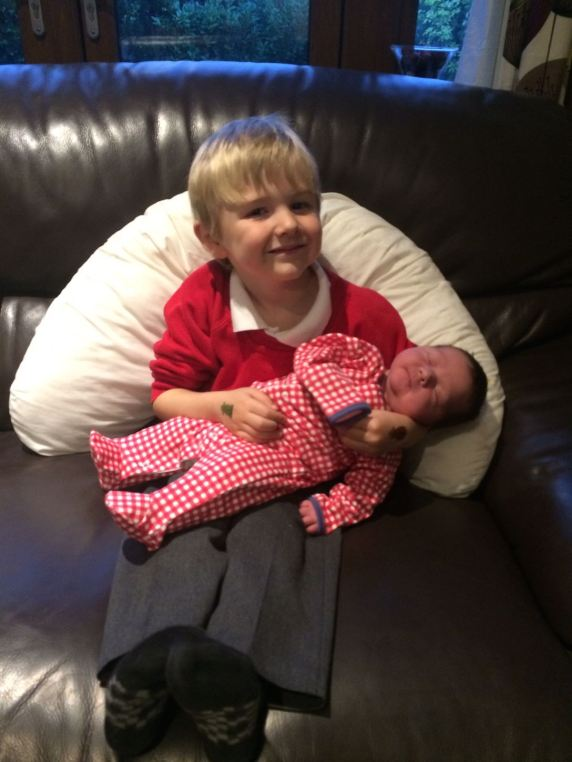 31/10 - Proud Finlay with his new baby sister, Jessica Charlotte!